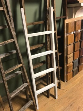 Chic & Antique Ladder